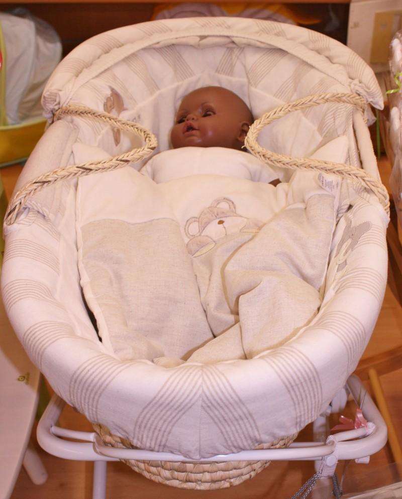 Couffins et berceaux autour de bebe starjouet for Autour de bebe colmar houssen