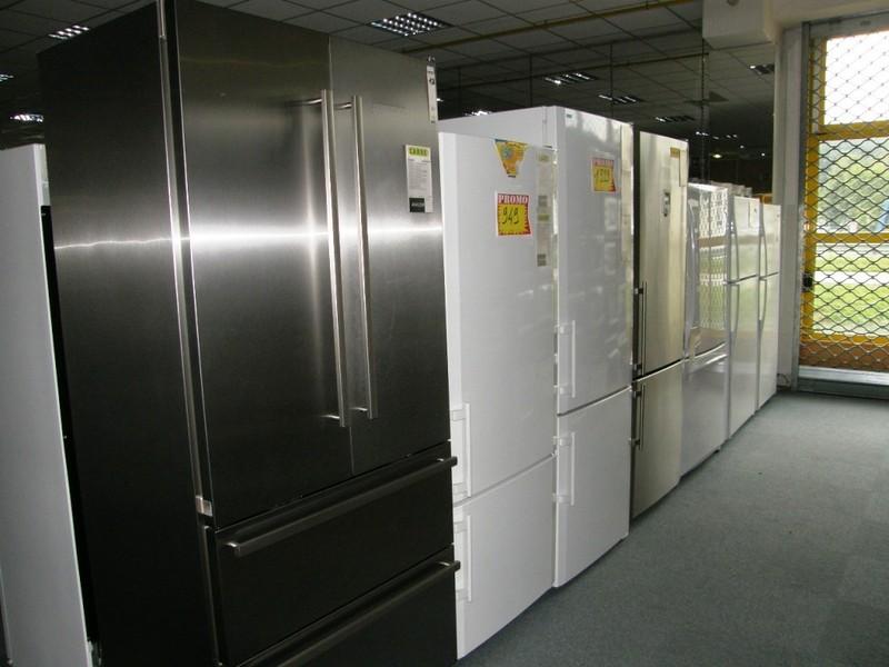 frigo americain noir pas cher affordable cuisine equipee italienne pas cher idees avec modele. Black Bedroom Furniture Sets. Home Design Ideas